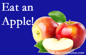 West Des Moines chiropractic care recommends healthy diets full of fruits and veggies, so enjoy an apple the apple season!
